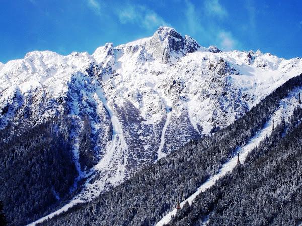 chamonix mont blanc la destination du haut alpinisme the travel manifest